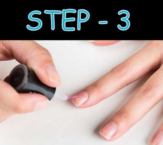french-manicure-at-home-step-3