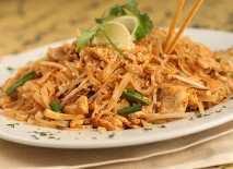 authentic-pad-thai-noodles