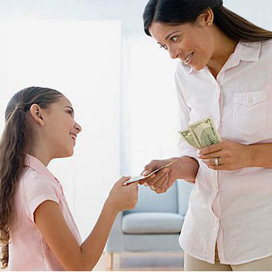 should teenagers earn their pocket money Giving kids pocket money video about teaching kids and teens about money some parents pay their kids pocket money without expecting jobs to be done to.