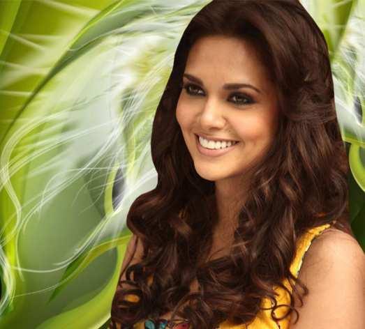 Esha-Gupta-smile