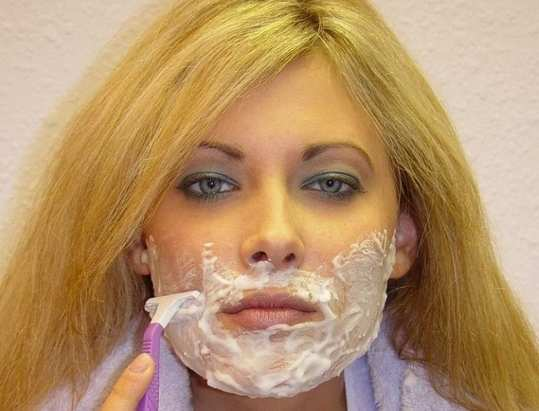 Girl-Shaving-Face