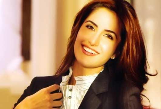 Katrina_Kaif_Lovely_Smile
