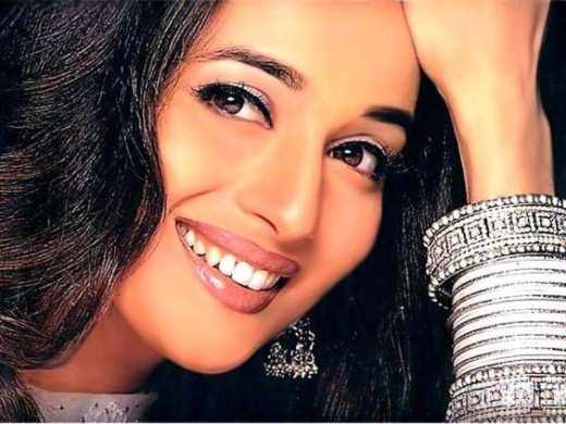 Madhuri-Dixit-smile
