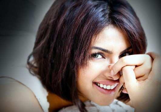 priyanka_chopra_smile
