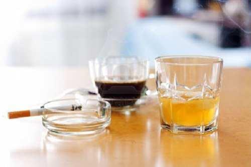 alcohol-caffeine-nicotin