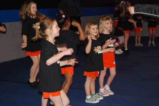 kids-dancing-on-music