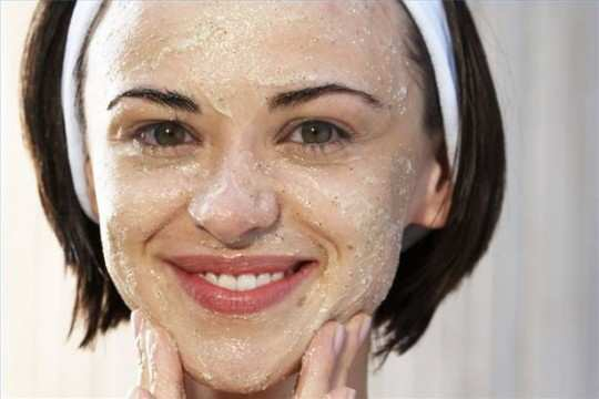 oatmeal-mask-for-getting-rid-of-acne