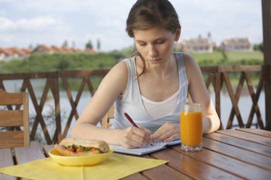 women-manage-dite-diary