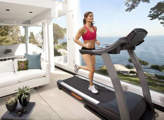 women-treadmill-at-home
