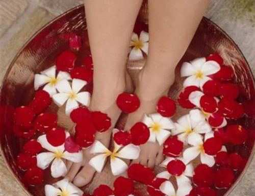 Glycerin-and-Rose-Water-for-heel