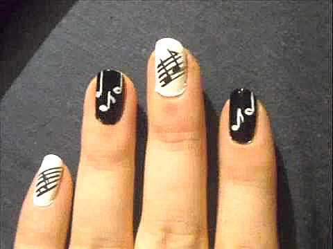 black-and-white-music-note-nail-art