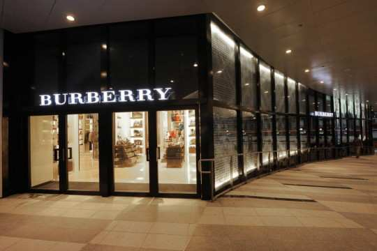 burberry-store
