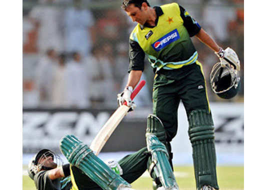 funny-pics-from-cricket-pitch-12