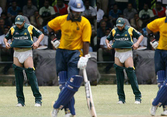 funny-pics-from-cricket-pitch-3