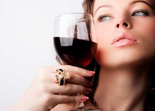 girl-drink-wine