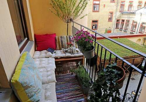 home-interiors-balcony-furniture