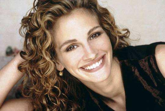 julia-roberts-cute-smile