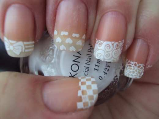 lace-effect-french-nails