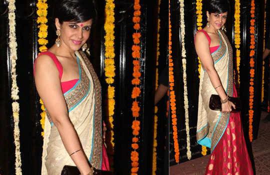 mandira-bedi-flaming-sarees-4