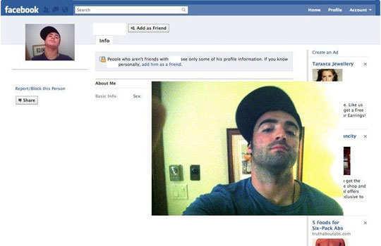pranking-people-on-facebook-Ryan-Roy-2