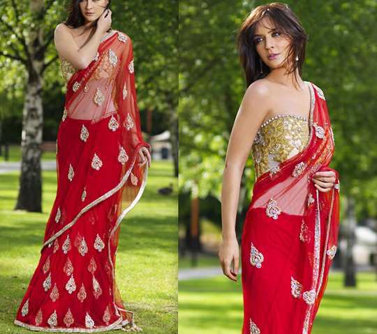red-saree-with-golden-blouse