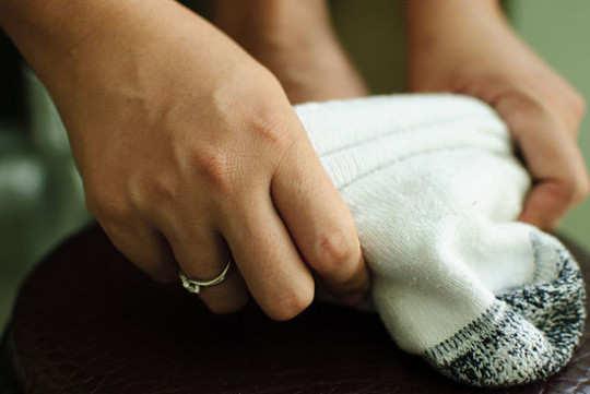 wear-clean-socks