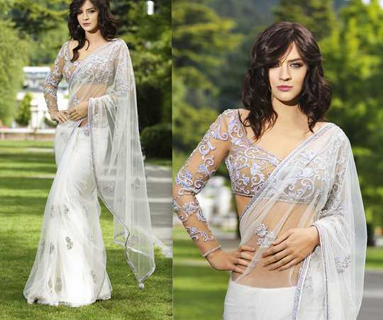 white-saree-nude-blouse