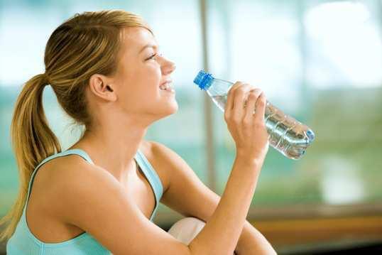 woman-drink-water-bottle