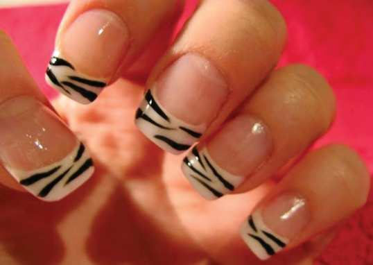 zebra-lines-french-nails