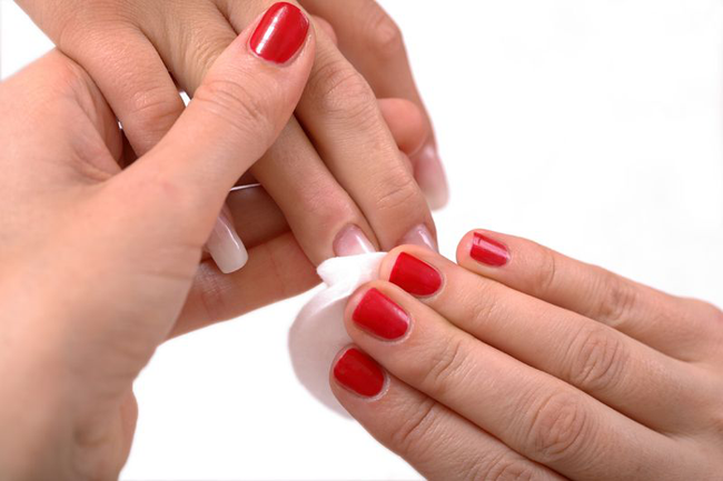 10 Best Home Remedies To Remove Nail Polish