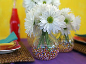 Pretty-Confetti-Painted-Vases-featured