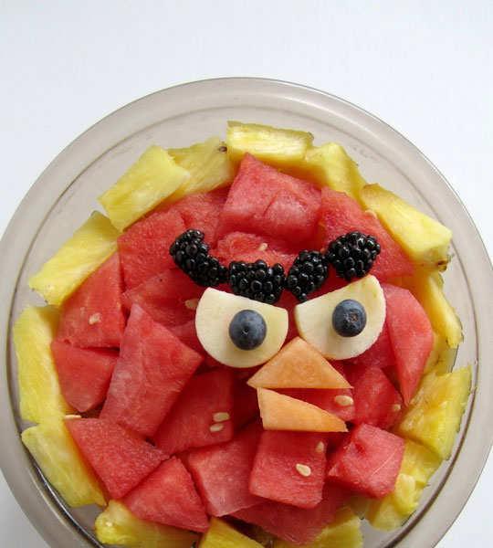 creative-yummy-food-display-10