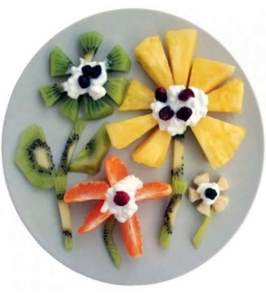 creative-yummy-food-display-7