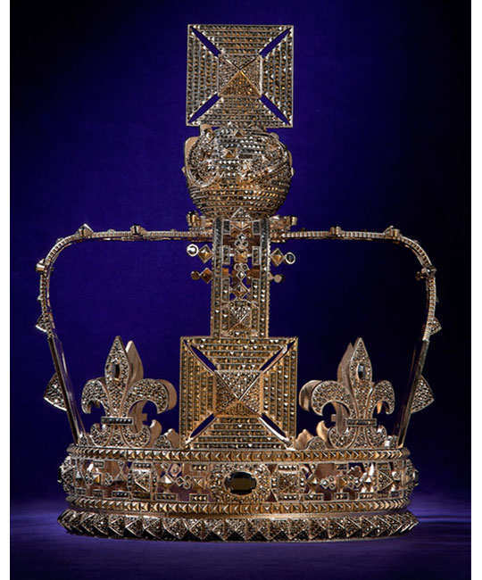 designers-reimagining-crown-of-elizabeth-1