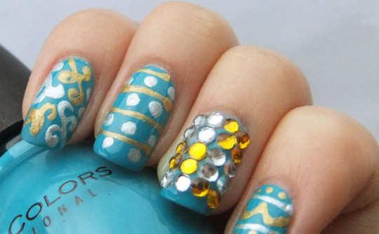 embellished-nail-art-blue