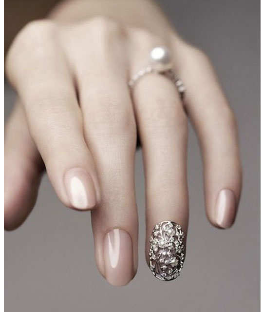 embellished-nail-arts-4