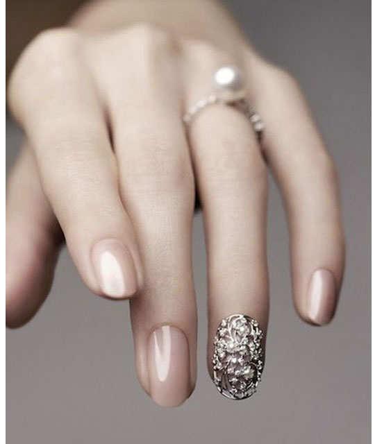 embellished-nail-arts-4