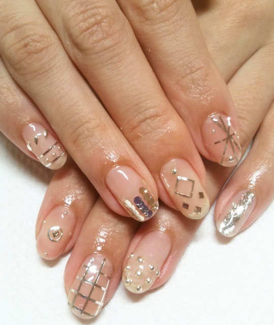 embellished-nail-arts-9