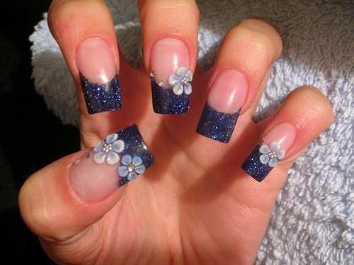 flower-embellished-nail-art