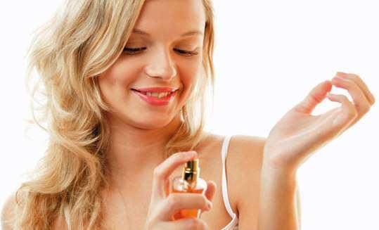 girl-use-heavy-fragrances
