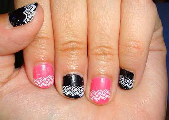 pink_and_black_lace_nail_art