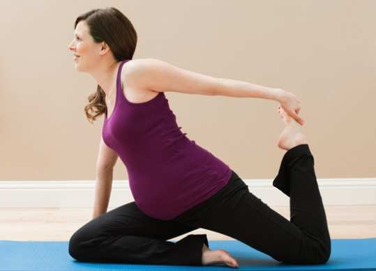 pregnant-woman-doing-exercise1