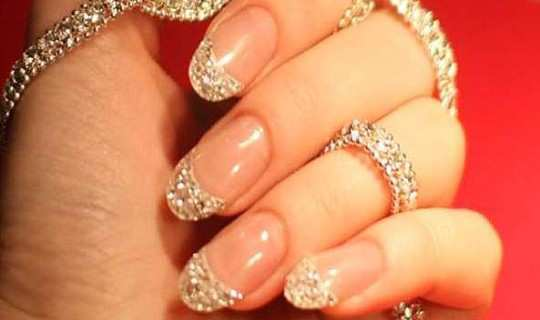 pretty-embellished-nail-art