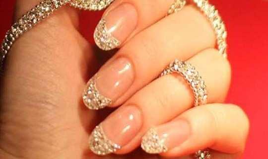 pretty-embellished-nail-art