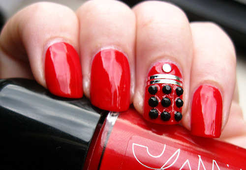 red-embellished-nails