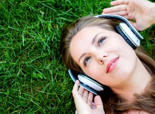 soft-mood-girl-listening-music