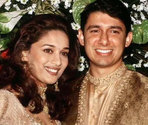 Madhuri-Dixit-and-Dr.-Shriram-Nene-wedding-pics