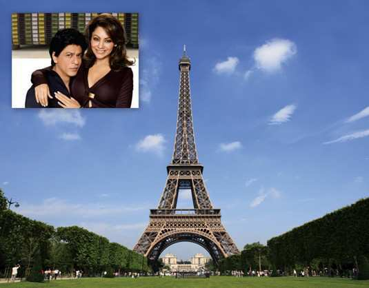 Shahrukh-Khan-and-Gauri-in-paris