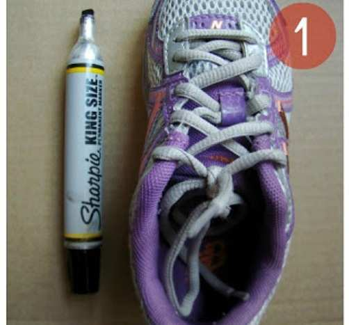 Shoe-Lace-DIY-Craft-with-Cardboard-step-1