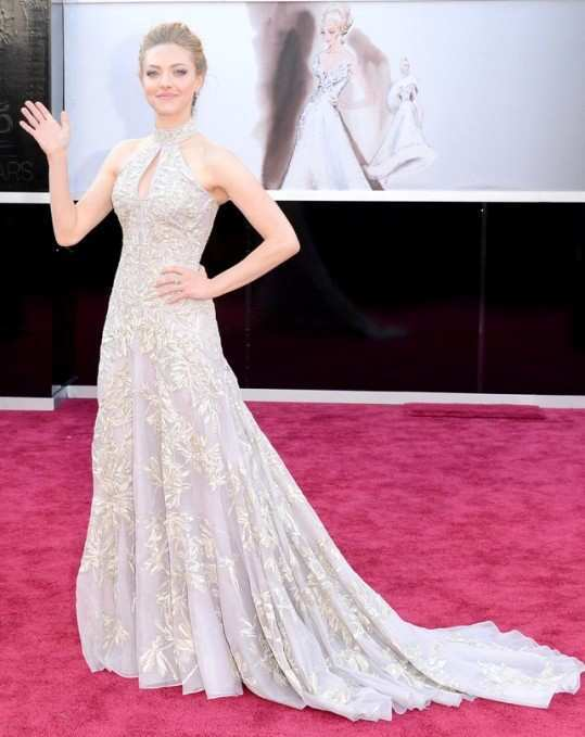 amanda-seyfried-at-oscars-2013
